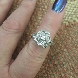 Jewelry - 🌺Gorgeous🌺 Sterling Flower Ring